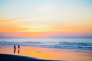 sunset-beach-1082204_640