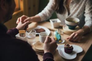 couple-on-coffee-date_4460x4460